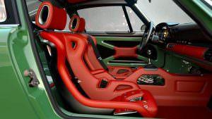 Кожаный салон Porsche 911 DLS от Singer