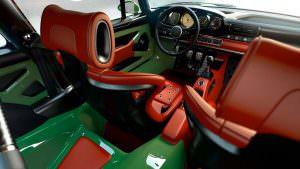 Спортивные сиденья в салоне Porsche 911 DLS от Singer
