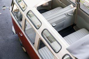 Крыша с люком Volkswagen Microbus Deluxe 1960 года