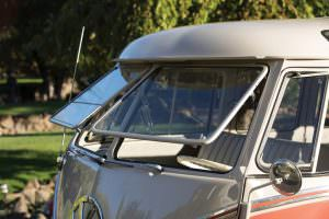 Volkswagen Microbus Deluxe 1960 года выпуска