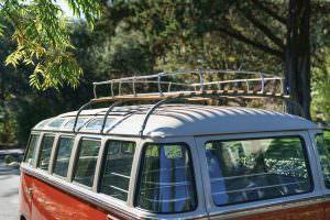 Багажник на крыше Volkswagen Microbus Deluxe 1960 года