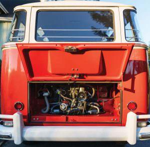 Моторный отсек Volkswagen Microbus Deluxe
