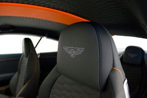 Подголовники с логотипом в Bentley Continental GT от Startech