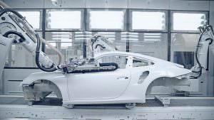 Нанесение грунтовки на Porsche 911 Turbo