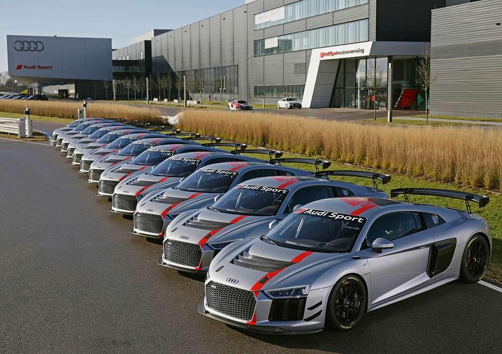 Гоночные Audi R8 LMS GT4. Первая партия из 12 машин