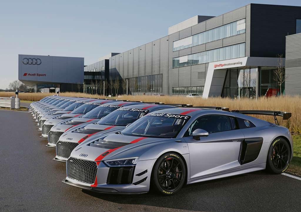 Первые 12 гоночных Audi R8 LMS GT4