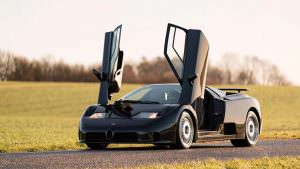 Коллекционный суперкар Bugatti EB110 GT 1993 года выпуска