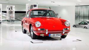 Самый старый Porsche 911 в музее компании