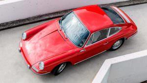 Красный Porsche 901
