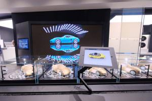Конфигураторы Porsche на iPad в китайском шоу-руме компании