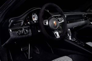 Фото салона Porsche 911 Targa 4 GTS. Тюнинг Mcchip-DKR