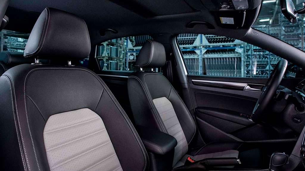 Сиденья из кожзаменителя Volkswagen Passat GT 2018