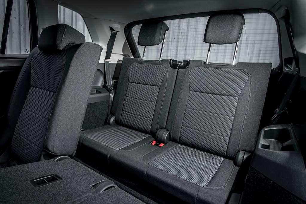 Третий ряд сидений Volkswagen Tiguan Allspace