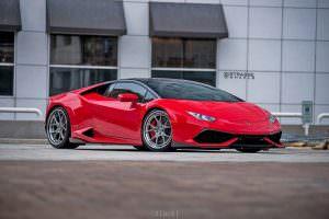 Lamborghini Huracan на дисках Strasse SM5R Deep Concave FS