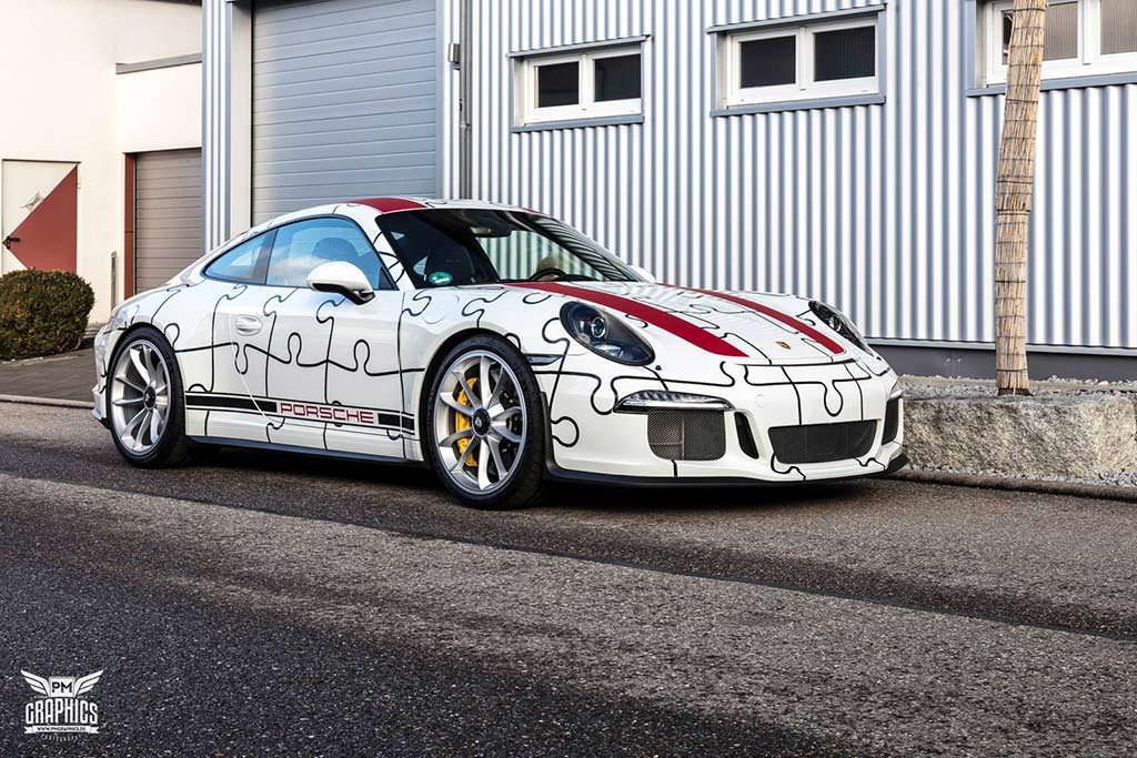 Суперкар Porsche 911 R в пазл-виниле от Quirky Wrap