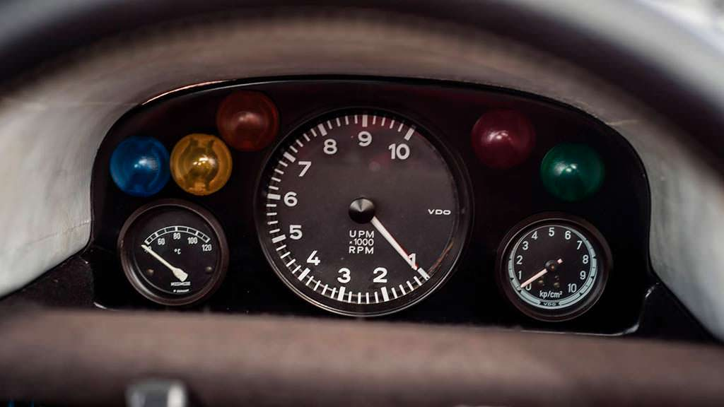 Приборная панель Porsche 908 K 1968 года выпуска