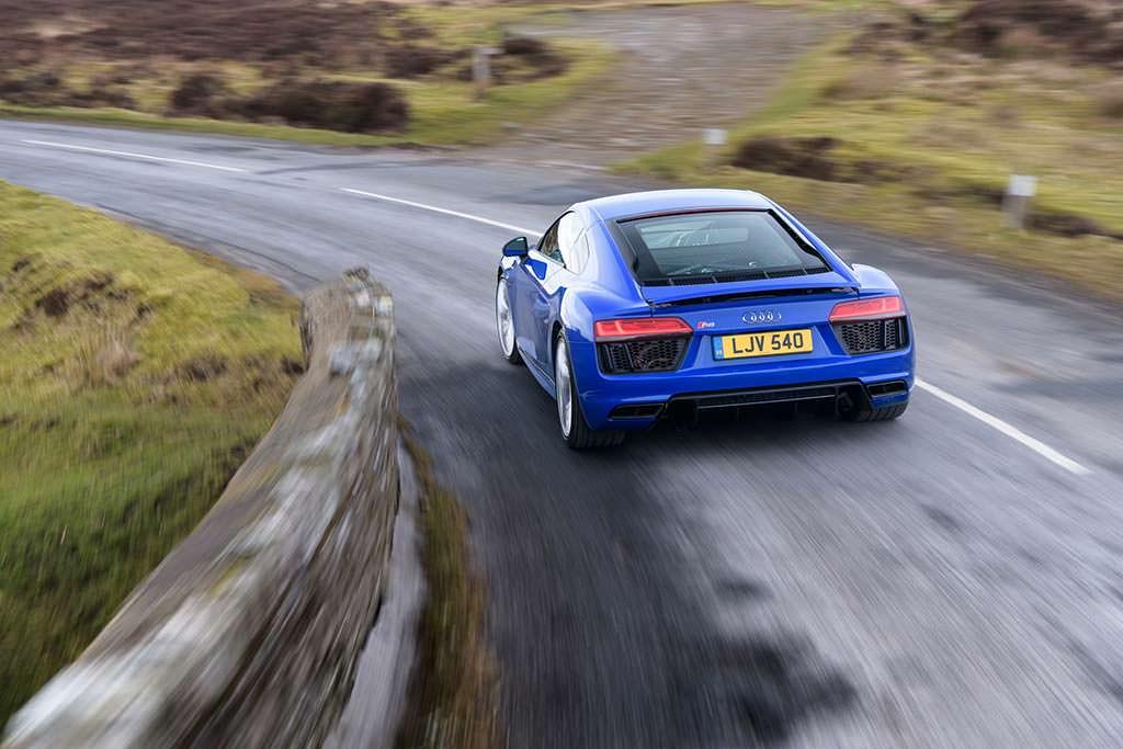 Audi R8 V10 RWS Limited Edition. Максимальная скорость 318 км/ч