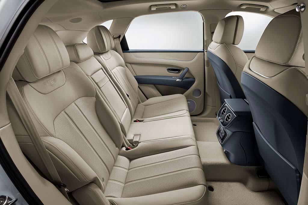 Фото внутри Bentley Bentayga Hybrid
