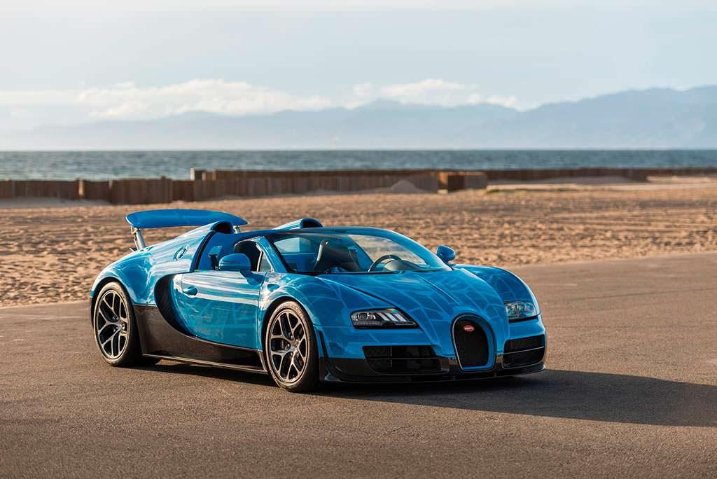 Bugatti Veyron Roadster в окраске Трансформеров