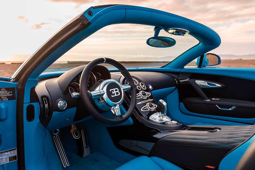 Фото внутри Bugatti Veyron Roadster Grand Sport Vitesse