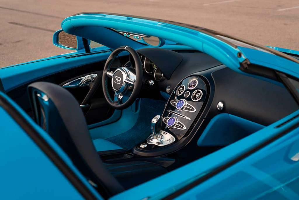 Фото салона Bugatti Veyron Roadster Grand Sport Vitesse