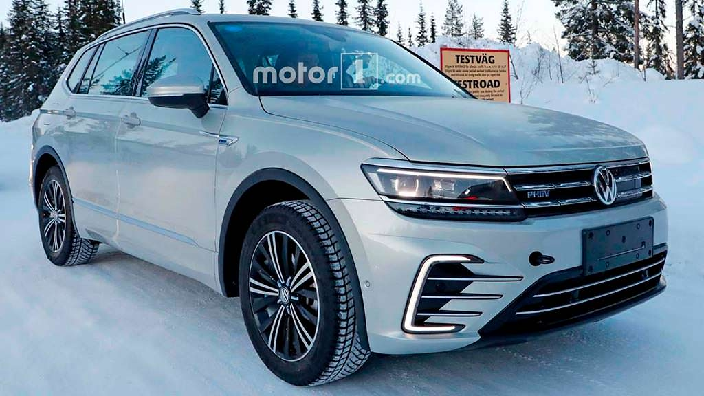 Гибрид Volkswagen Tiguan PHEV на зимних испытаниях