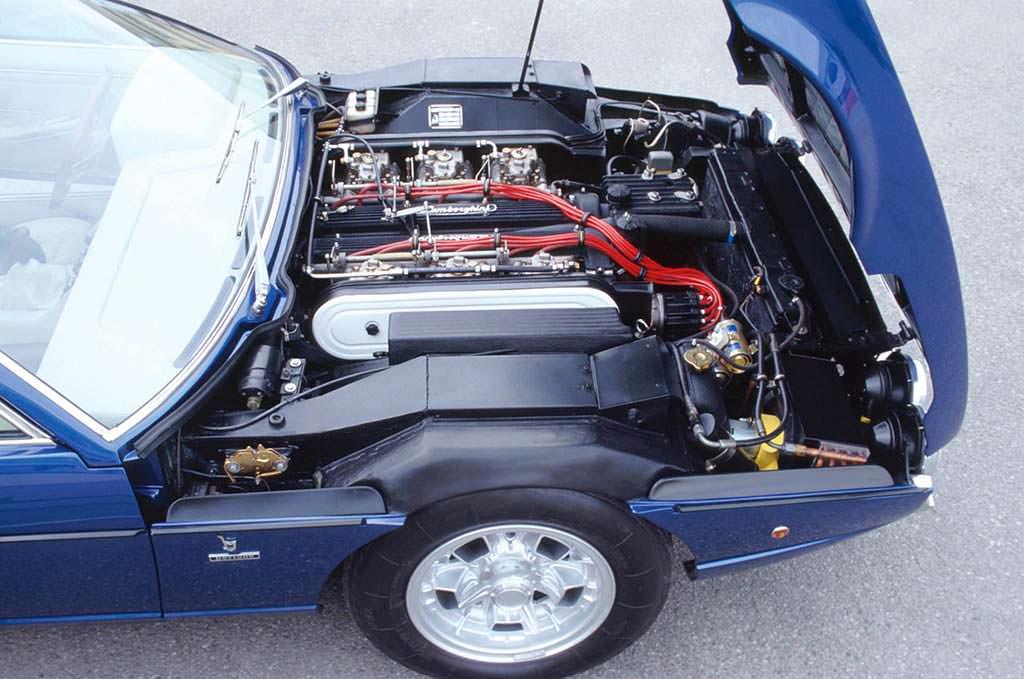 Двигатель 3,9-литра V12 в Lamborghini Espada S3