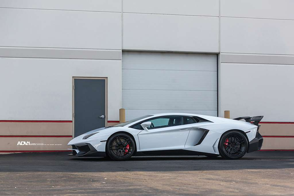 Тюнингованный Lamborghini Aventador SV
