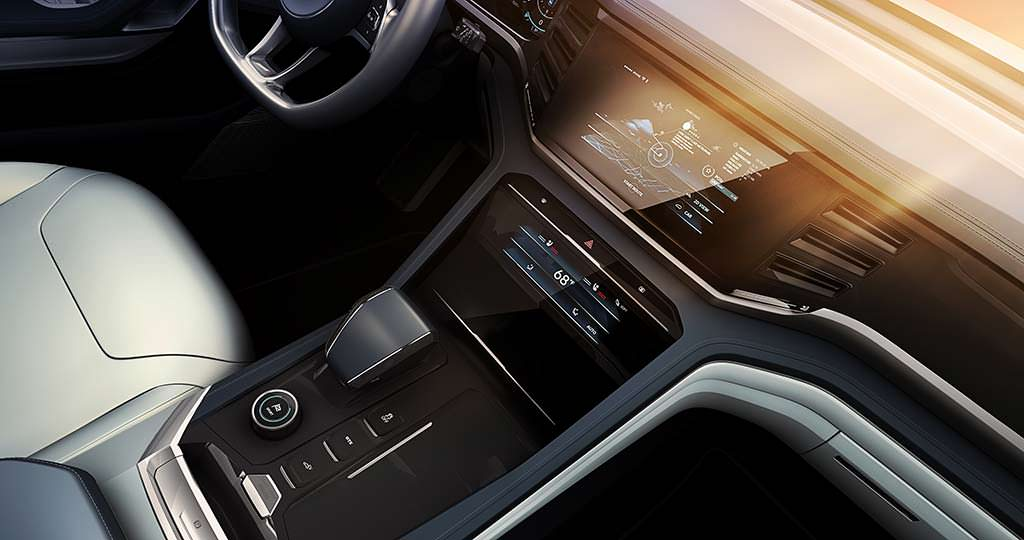Три сенсорных экрана в салоне VW Atlas Cross Sport Concept