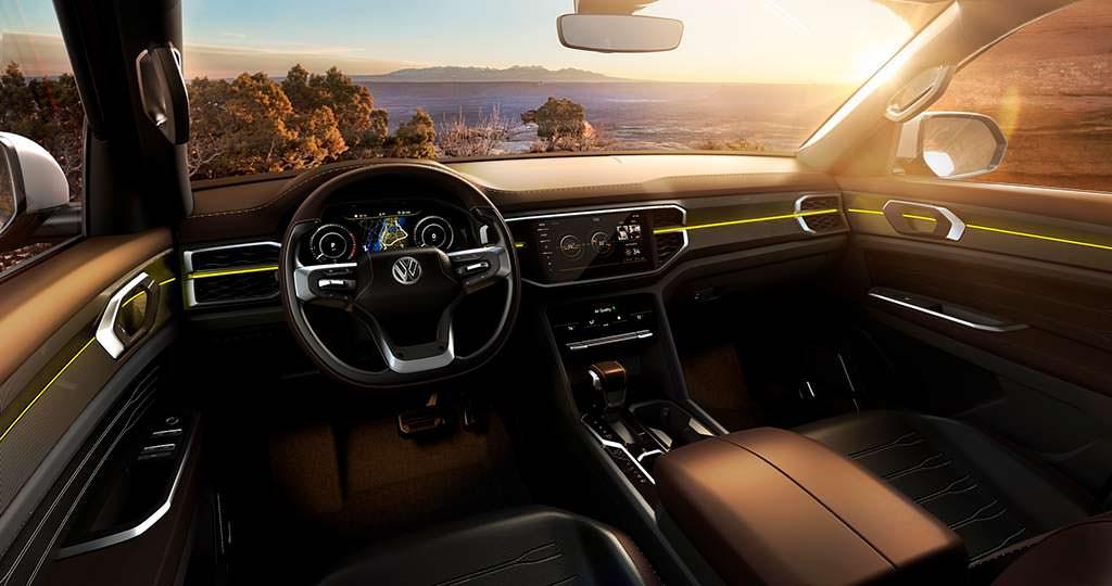 Фото салона Volkswagen Atlas Tanoak Pickup Concept