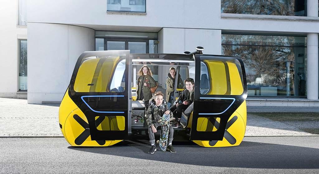 Самоуправляемый школьный автобус Volkswagen Sedric