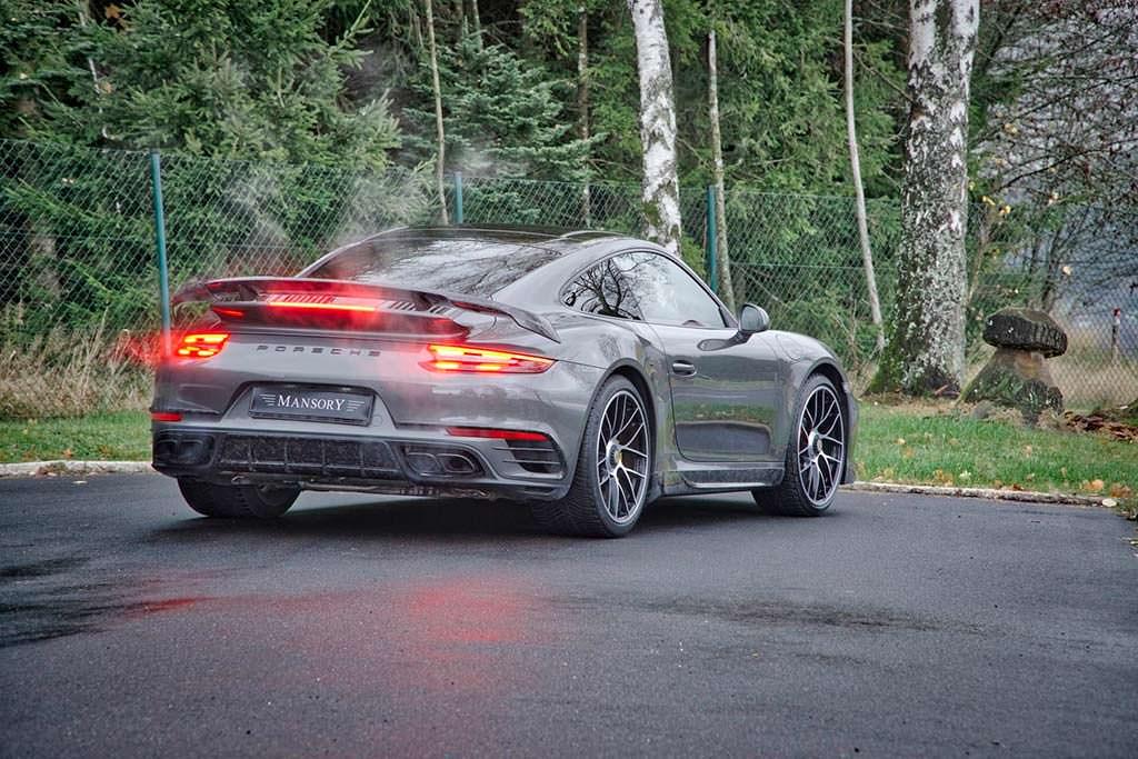 Карбоновая диета Porsche 911 Turbo S от Mansory