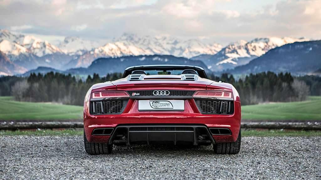 Заднеприводная Audi R8 Spyder V10 RWS