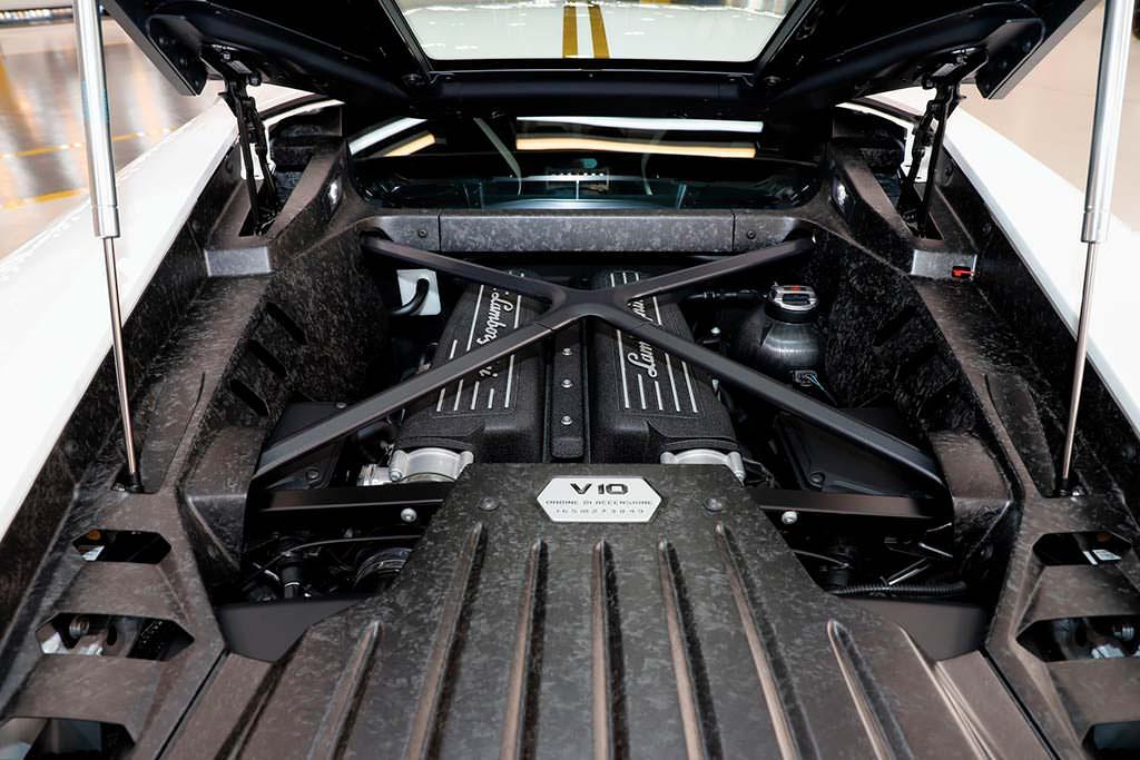 Двигатель Lamborghini Huracan LP580-2
