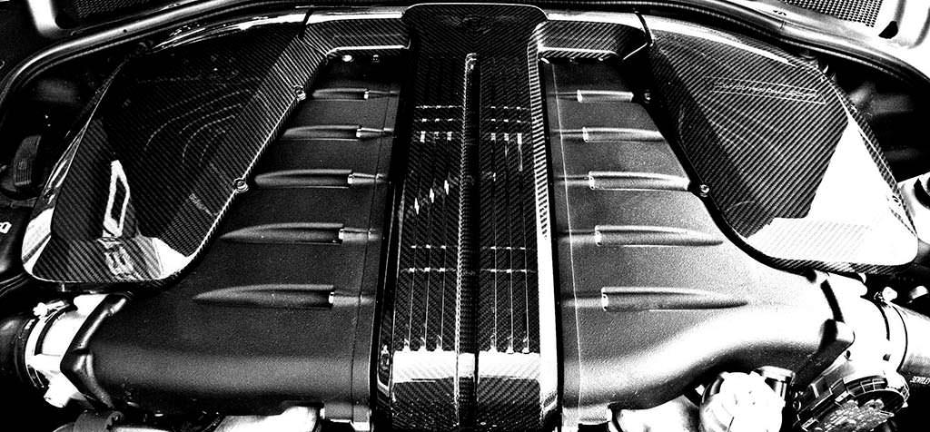 Двигатель 6,0-литра W12 с двумя турбинами. Мощность 710 л.с.