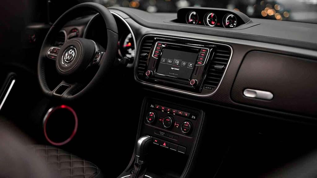 Фото салона Volkswagen Beetle Convertible от ABT