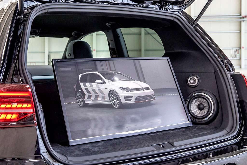 Монитор в багажнике Volkswagen Golf GTI Next Level