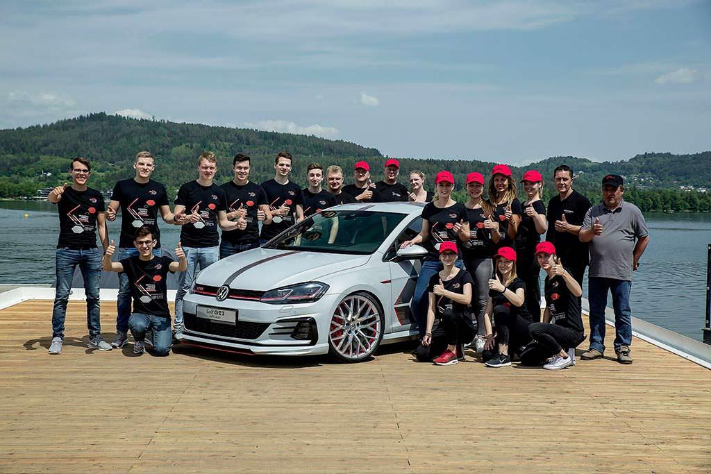 Volkswagen Golf GTI Next Level и стажеры