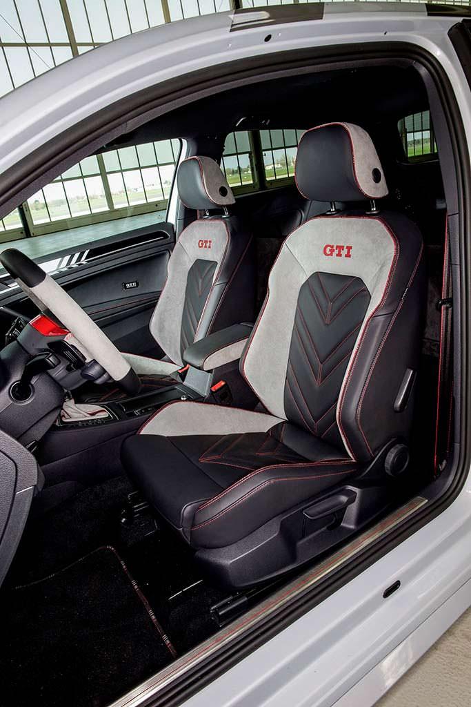 Спортивные сиденья Volkswagen Golf GTI Next Level