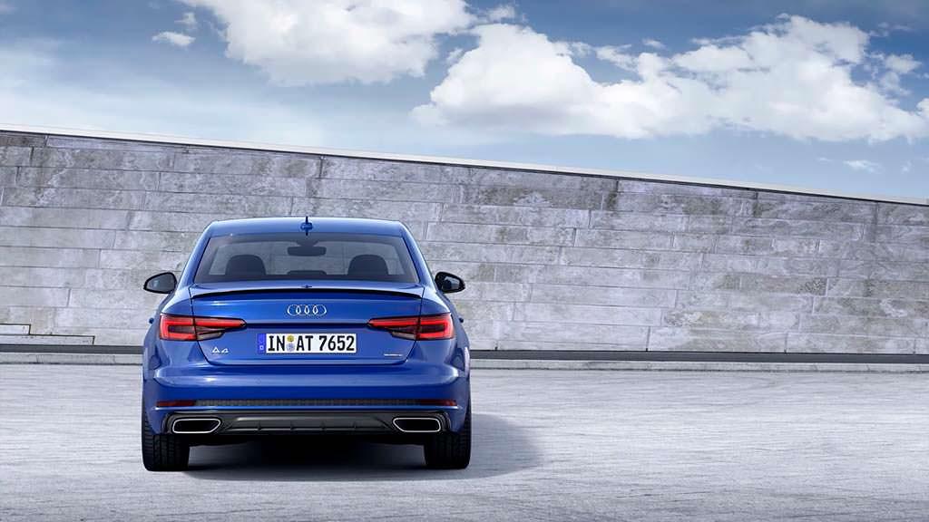 Новая Audi A4 B9