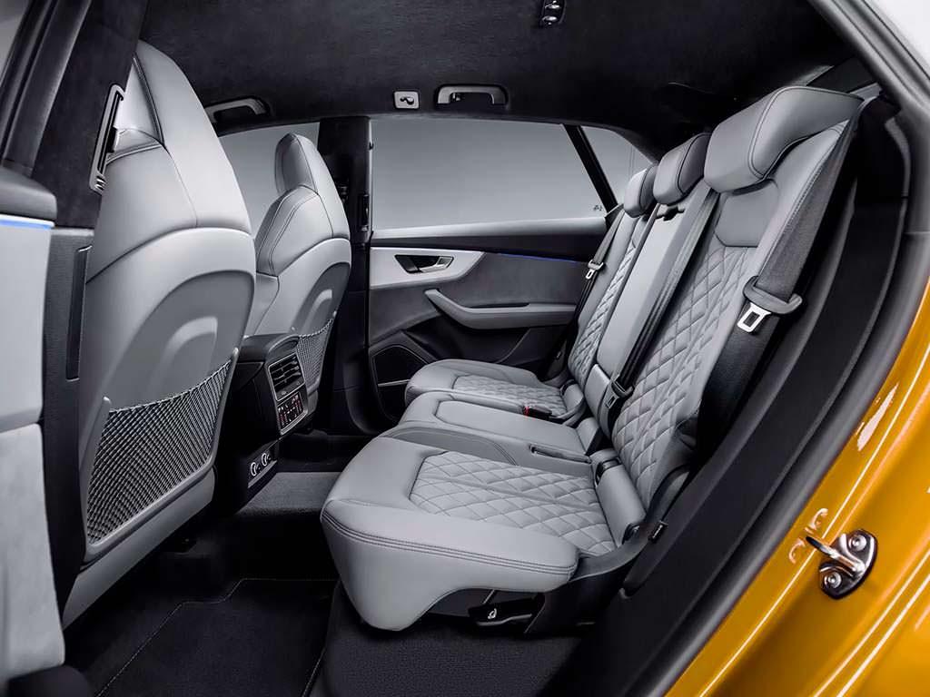 Задние сиденья Audi Q8