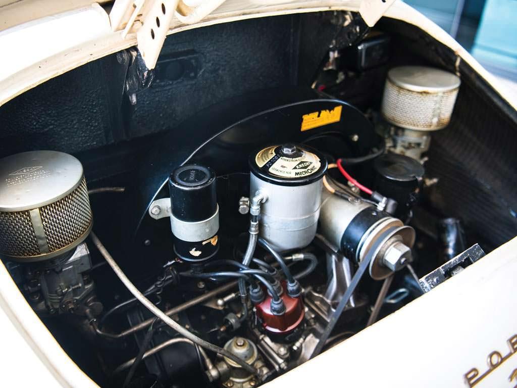 Под капотом Porsche 356 A 1600 Speedster