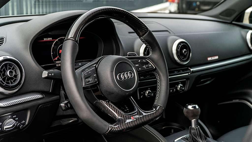 Карбоновые вставки в руле Audi RS3 Sedan от ABT Sportsline