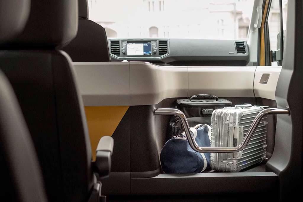 Место для багажа в Volkswagen Moia Mobility Unit