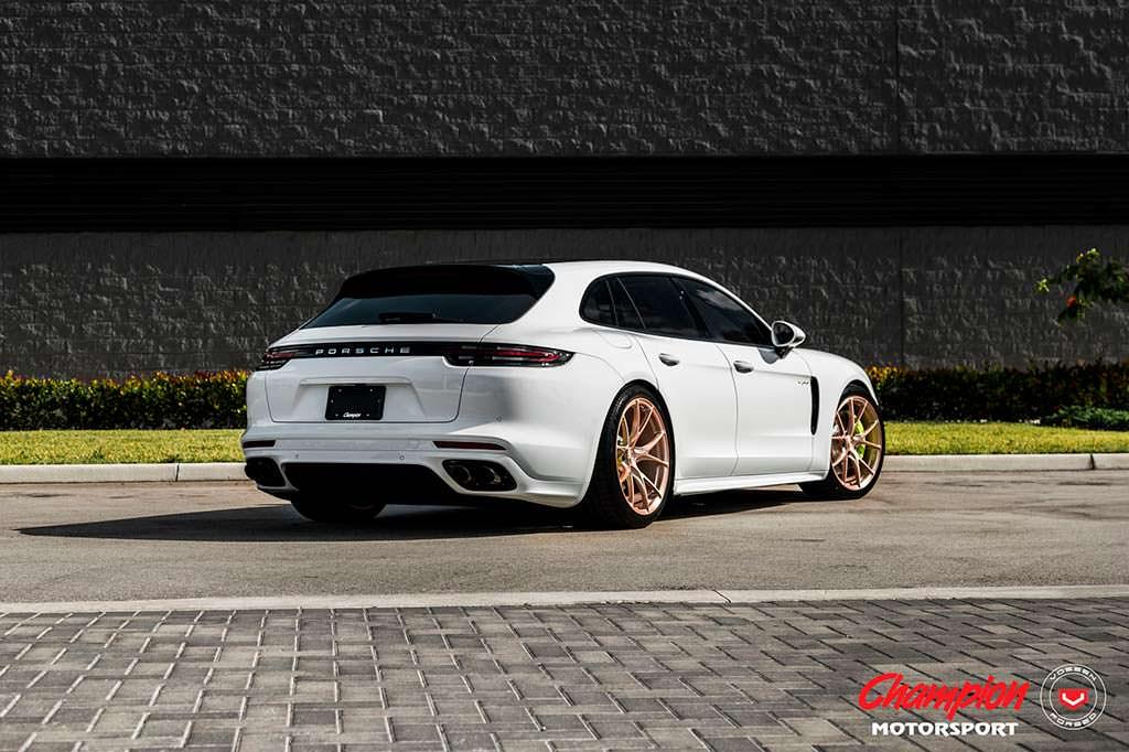 Porsche Panamera Sport Turismo на дисках Vossen