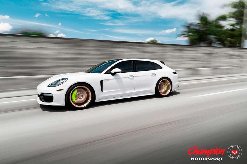 Спортивный универсал Porsche Panamera Sport Turismo