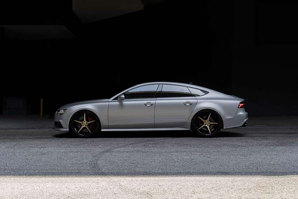 Серебристая Audi S7 на колесах Forgiato Tec 3.8