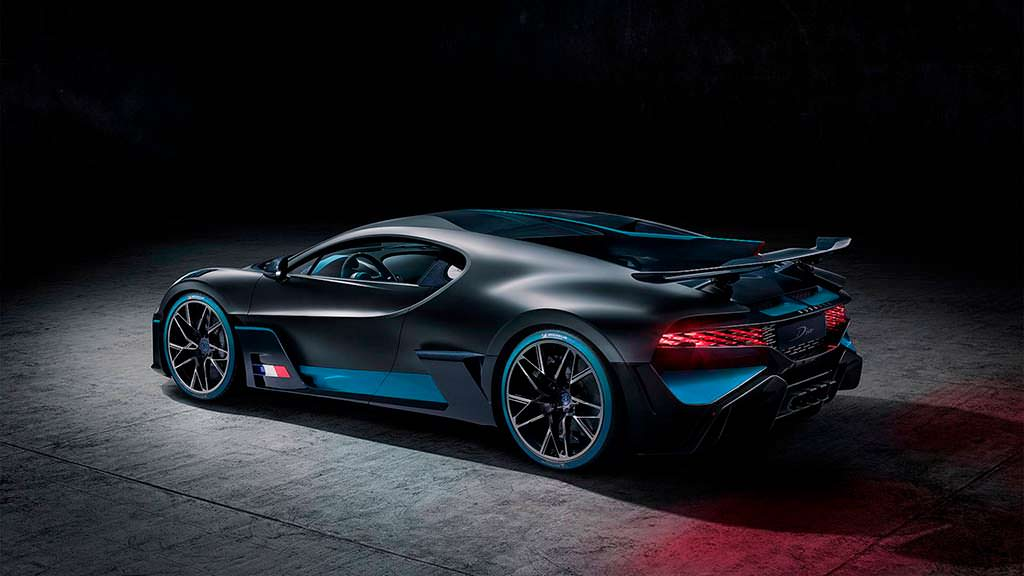 Bugatti Divo. 1 из 40 экземпляров