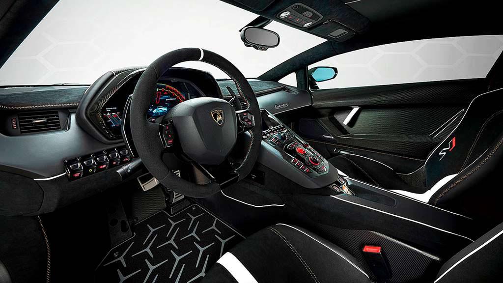 Фото салона Lamborghini Aventador SVJ 63
