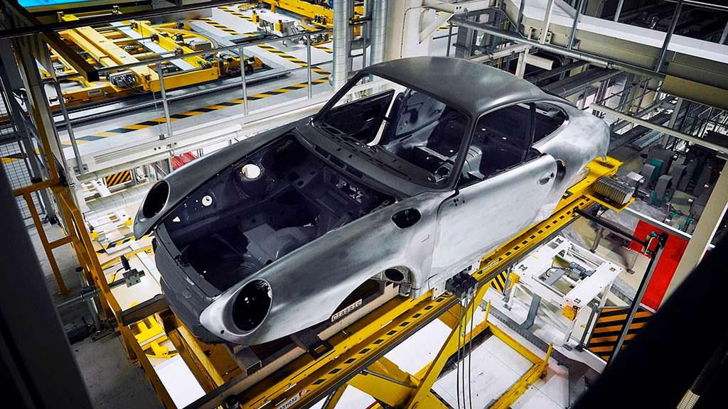 Голый кузов Porsche 993. Реставрация от Porsche Classic